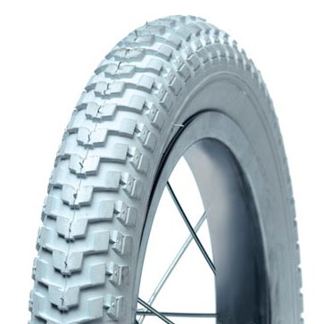White Tyre 12 1/2 x 2 1/4 Arrow Tread